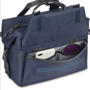Altura Photo | Camera Venturo Bag